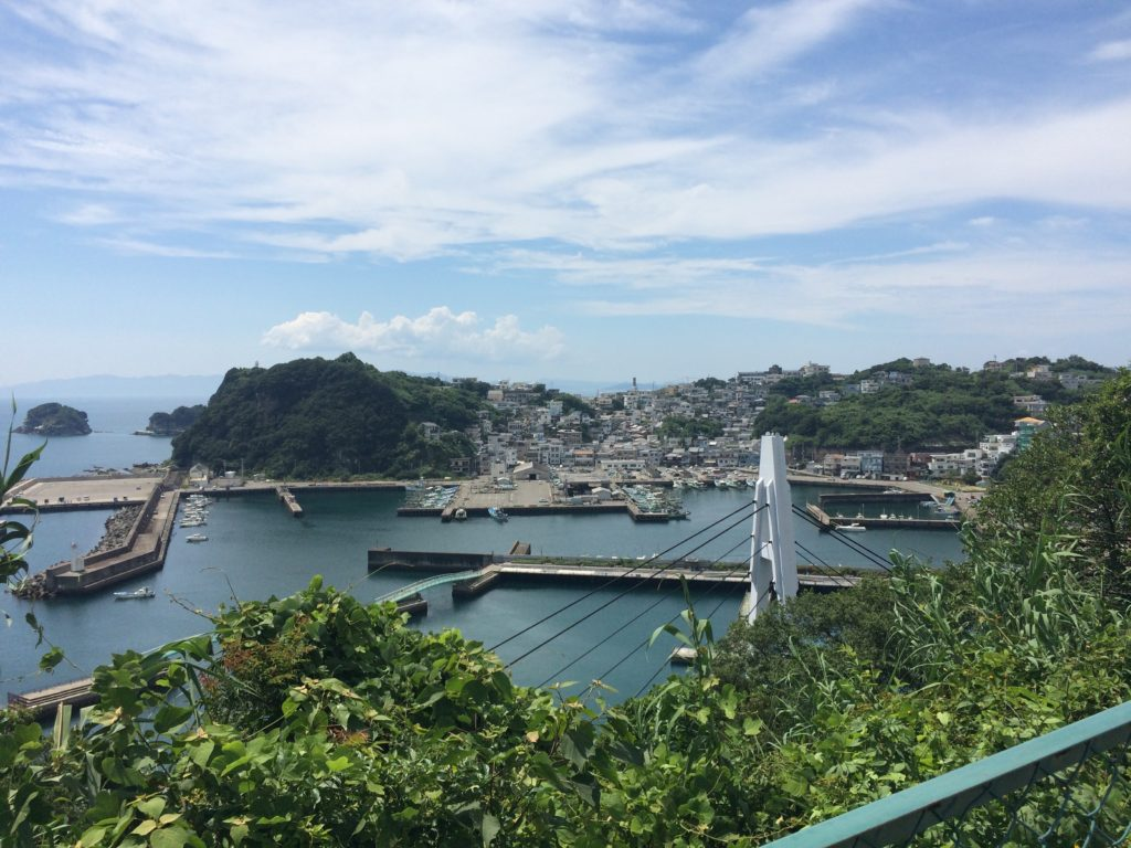 雑賀崎漁港を眼下にロードバイク